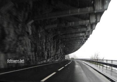Droga w skale