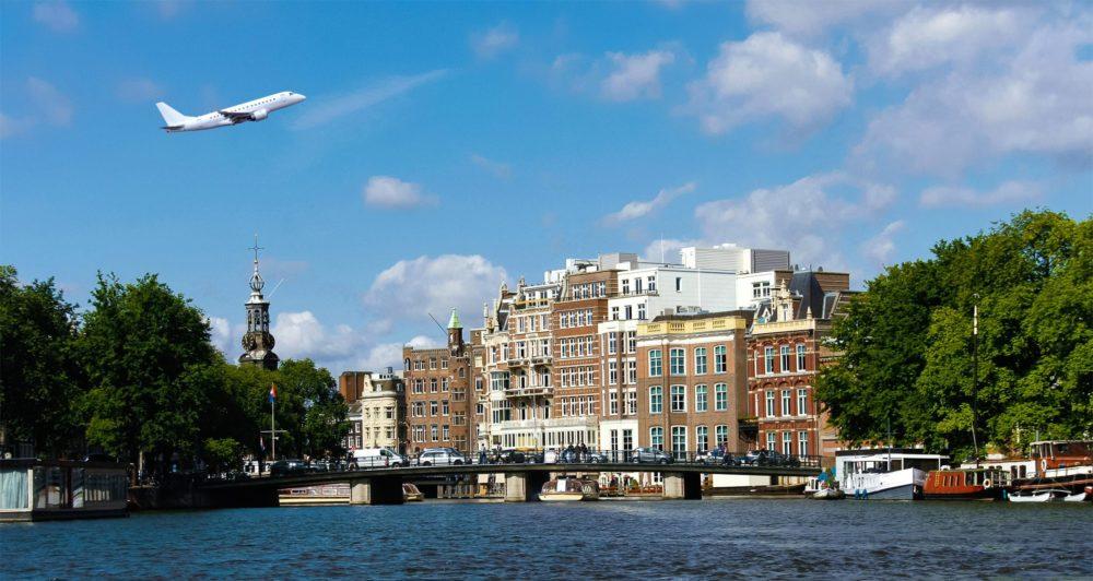 Samolot nadAmsterdamem
